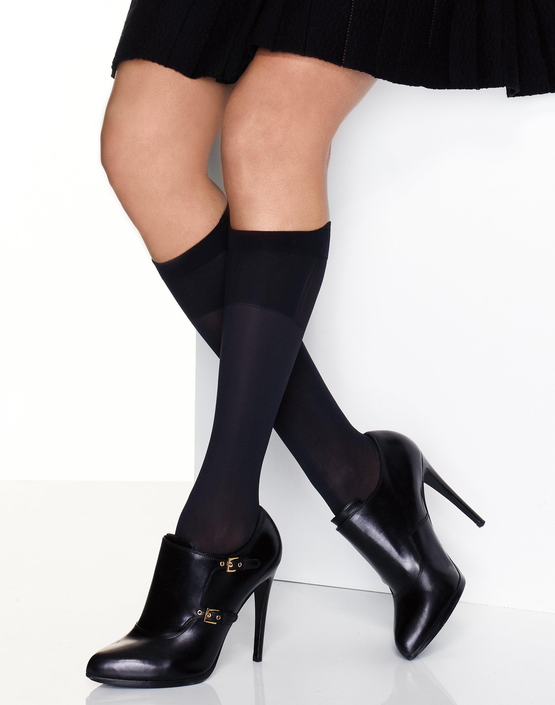 New Women/'s Hanes 2 pairs Blackout X-Temp Enhanced Toe Blackout Socks Plus Sz 2
